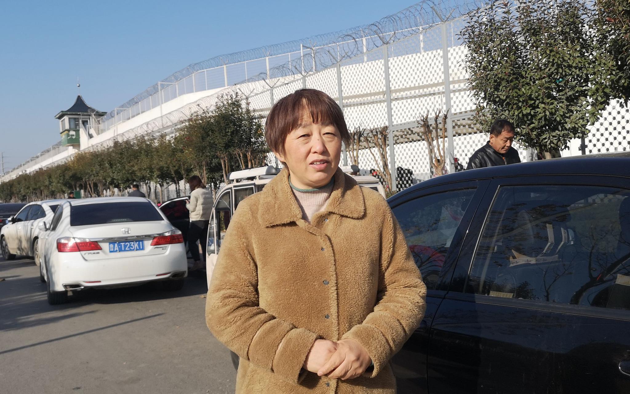 速卖通+黑帽seo_于欢母亲出狱后首见儿子:他长高了 让他别忧郁家