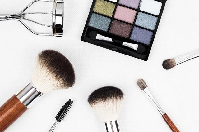 今日头条化妆品广告花费