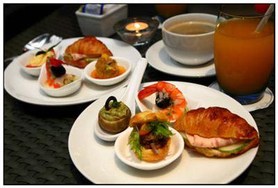 正餐的拼音_正餐的读音_正餐的英文 - 词语正餐