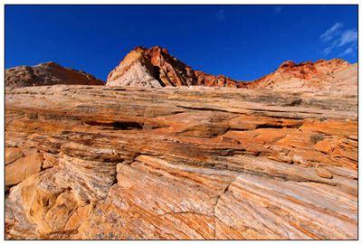 岩石的拼音_岩石的读音_岩石的英文 - 词语岩石