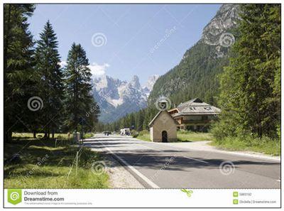 岩路的拼音_岩路的读音_岩路的英文 - 词语岩路